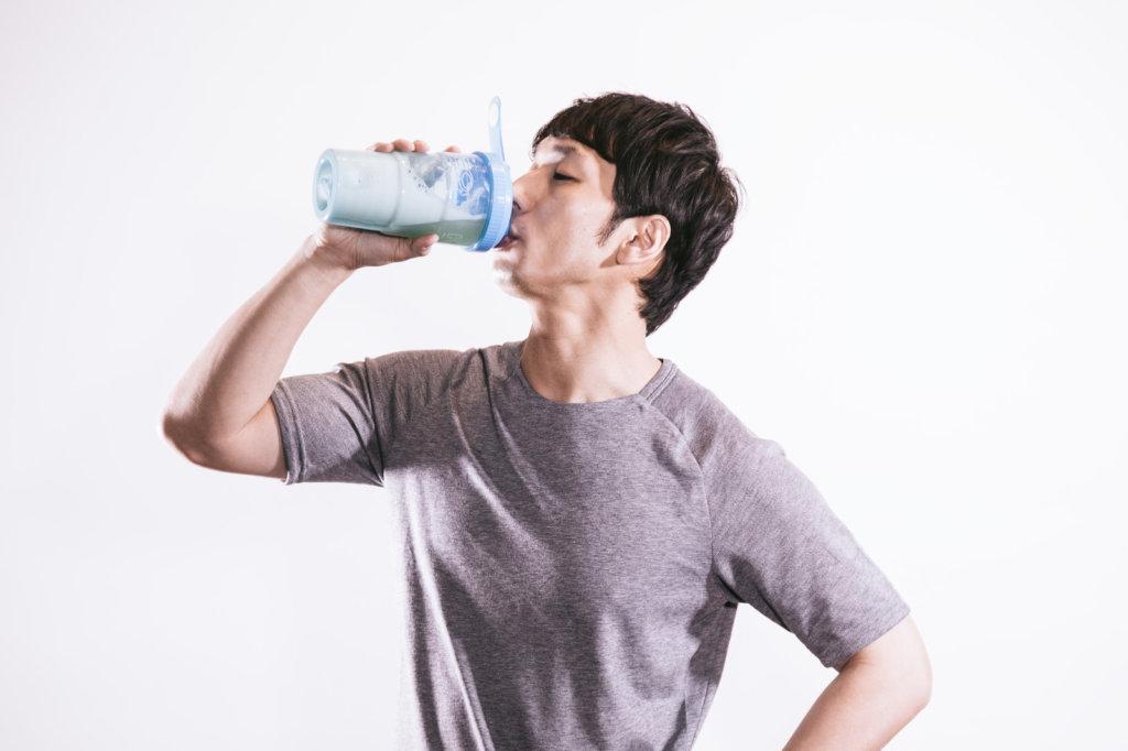 omega3を飲む男性